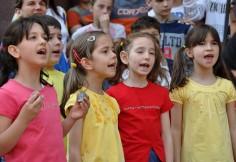 singing_kids